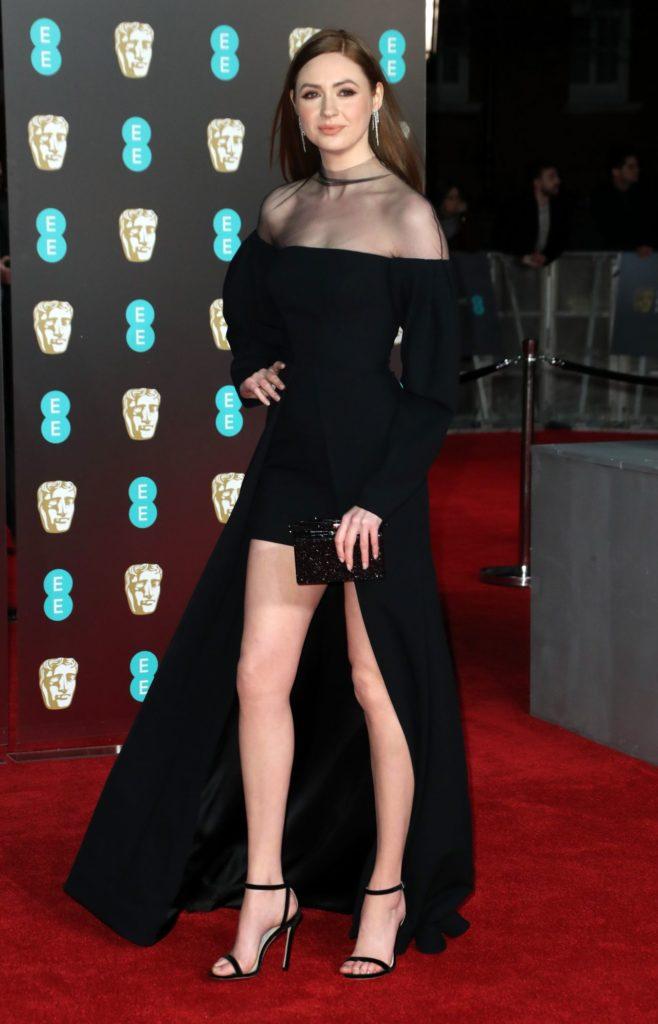 Karen Gillan Legs Pics