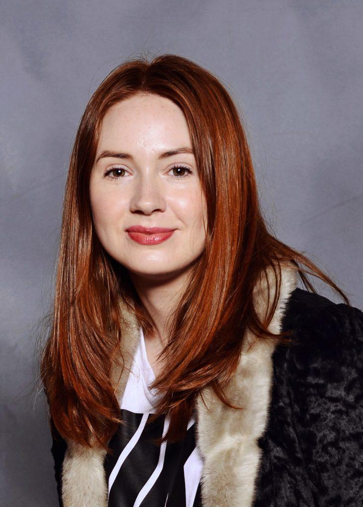 Karen Gillan Smile Pictures