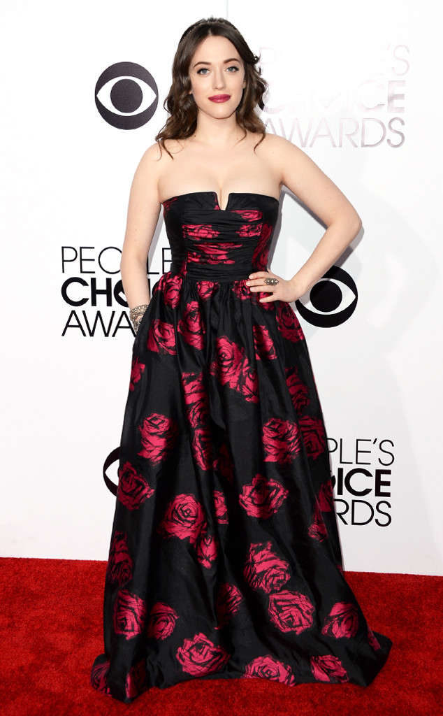 Kat Dennings Gown Images