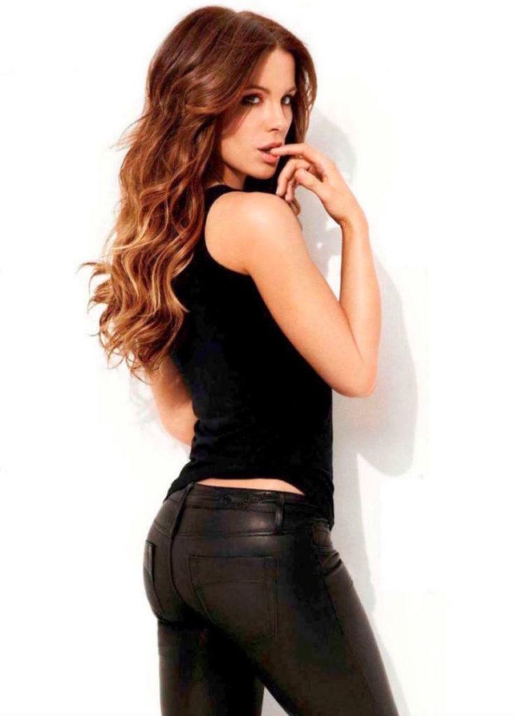 Kate Beckinsale Backside Wallpapers