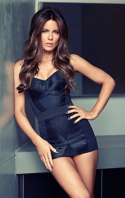 Kate Beckinsale Swimsuit Wallpapers