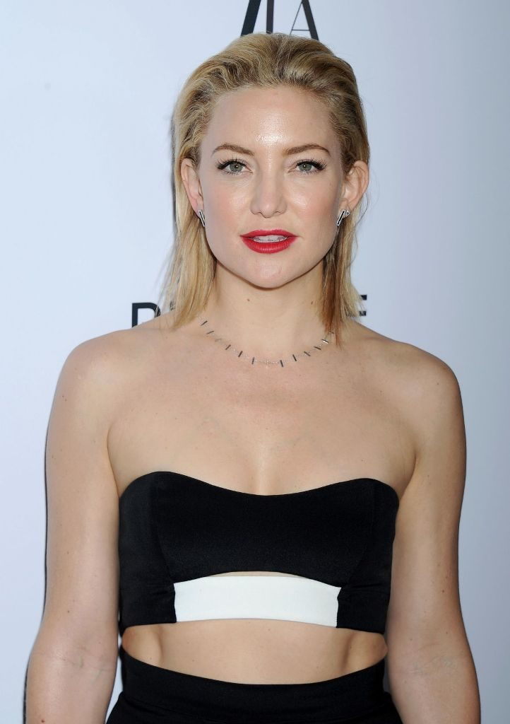 Kate Hudson Bra Pictures