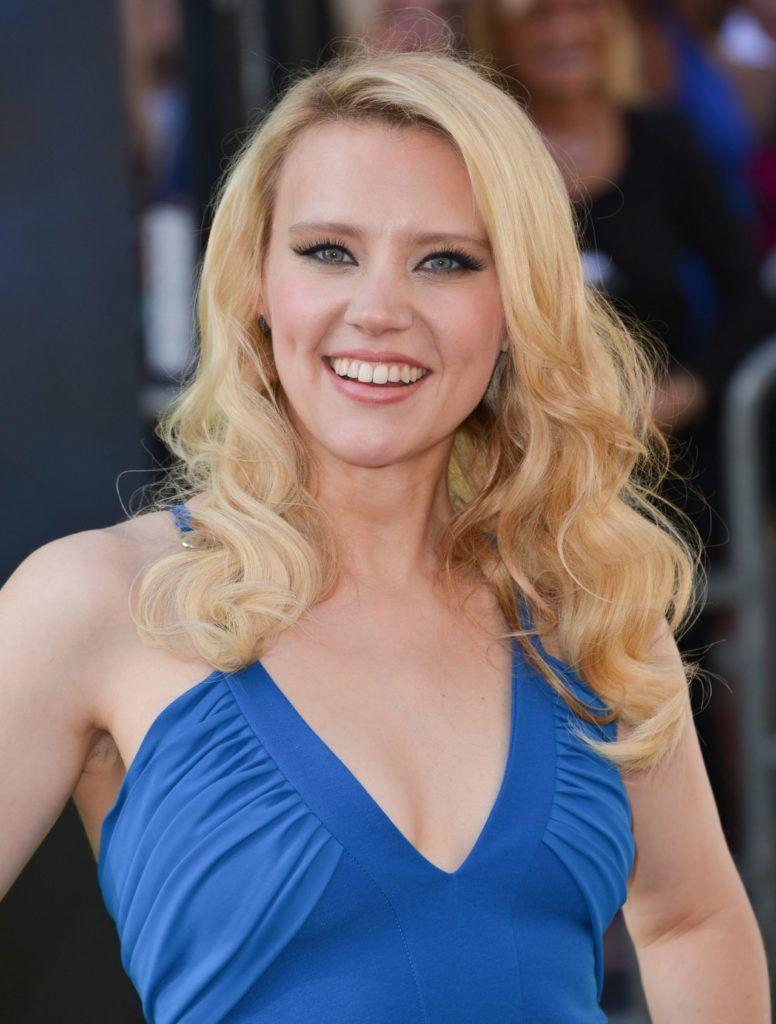 Kate Mckinnon Topless Images