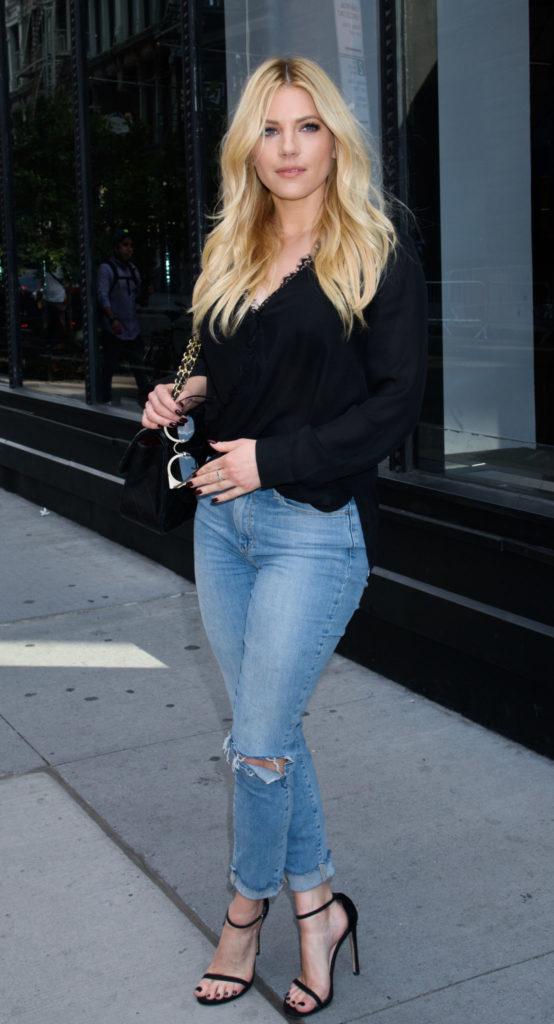 Katheryn Winnick Jeans Pics