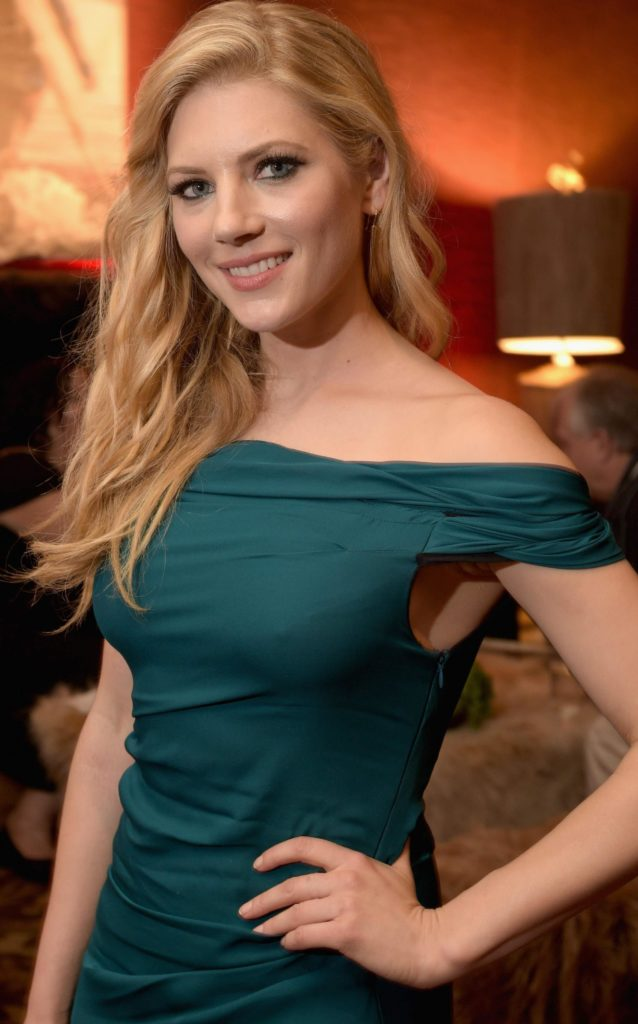 Katheryn Winnick Sexy Pictures