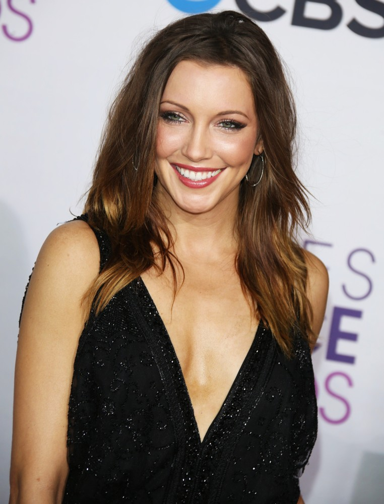 Katie Cassidy Braless Photos