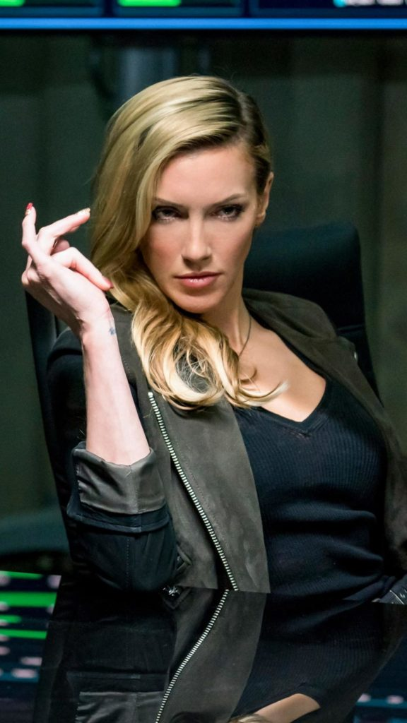 Katie Cassidy Hot Wallpapers