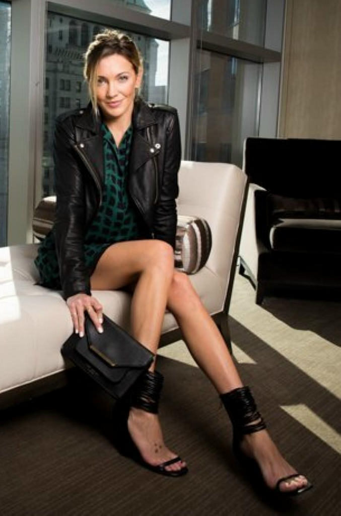 Katie Cassidy Legs Images