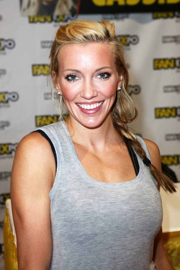 Katie Cassidy Muscles Pics