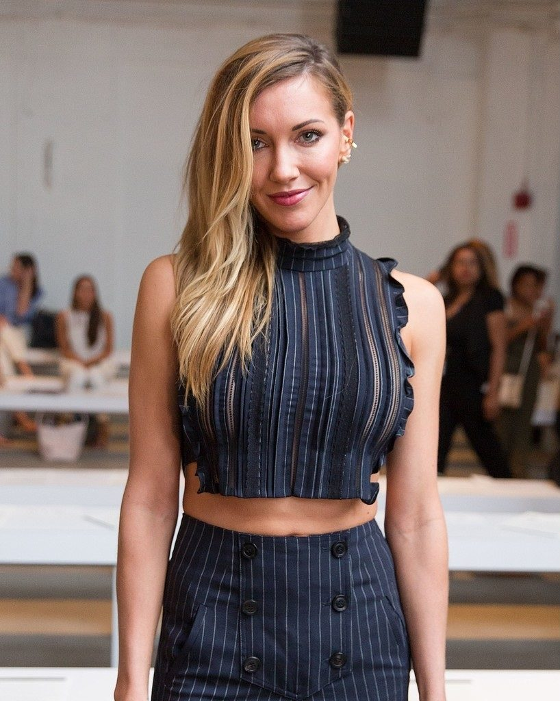 Katie Cassidy Sexy Pictures