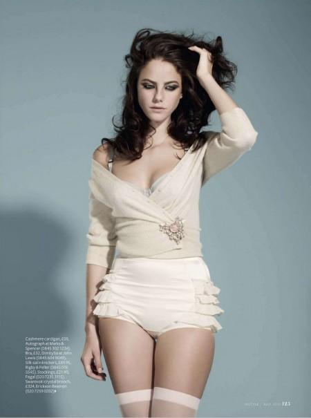 Kaya Scodelario Bikini Pictures