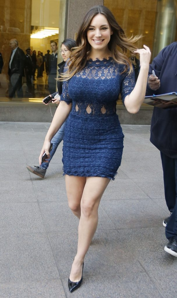 Kelly Brook Short Pictures