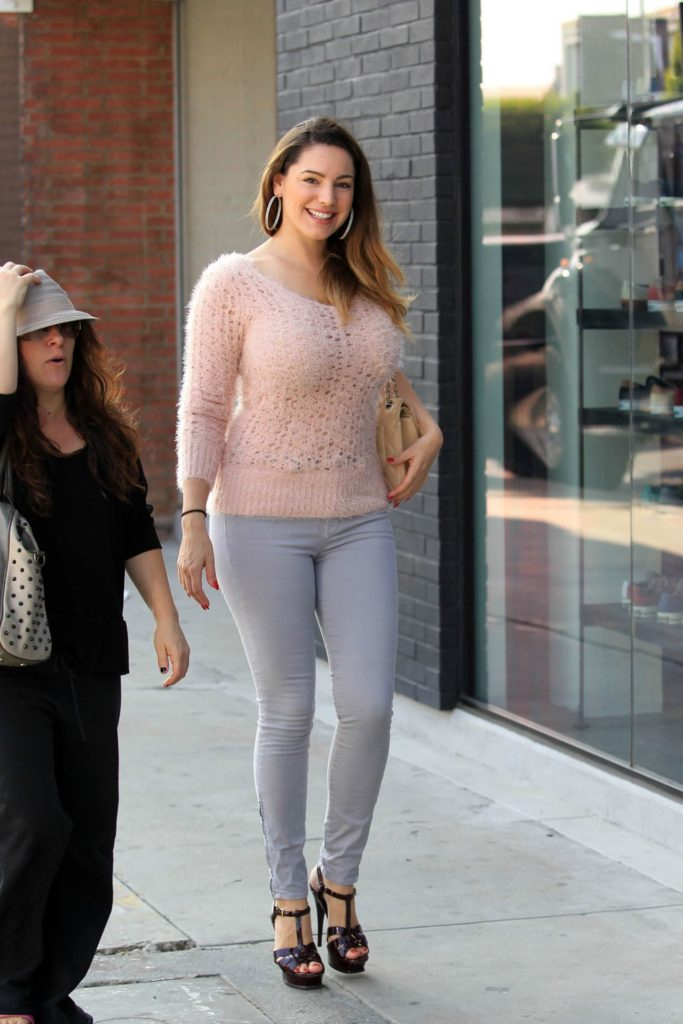 Kelly Brook Winter Look Pictures