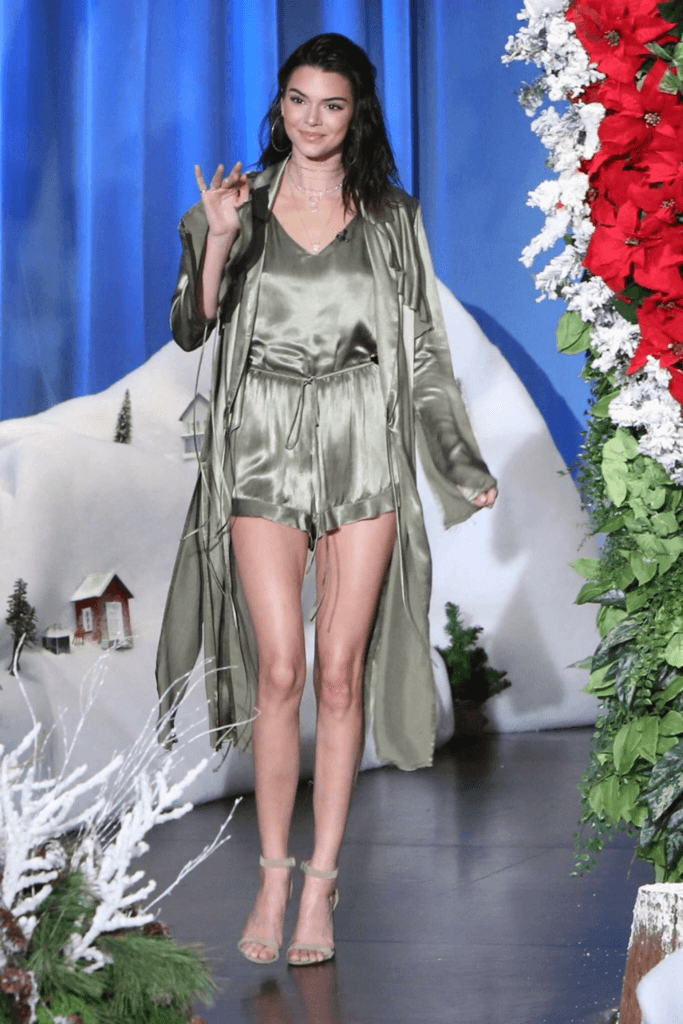 Kendall Jenner Legs Pictures