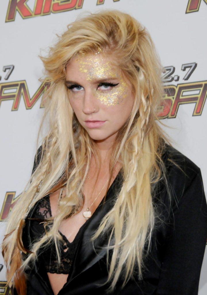 Kesha Bra Photos