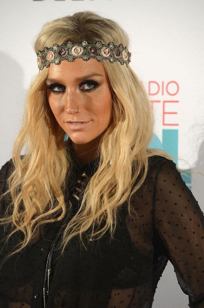 Kesha Leggings Pictures