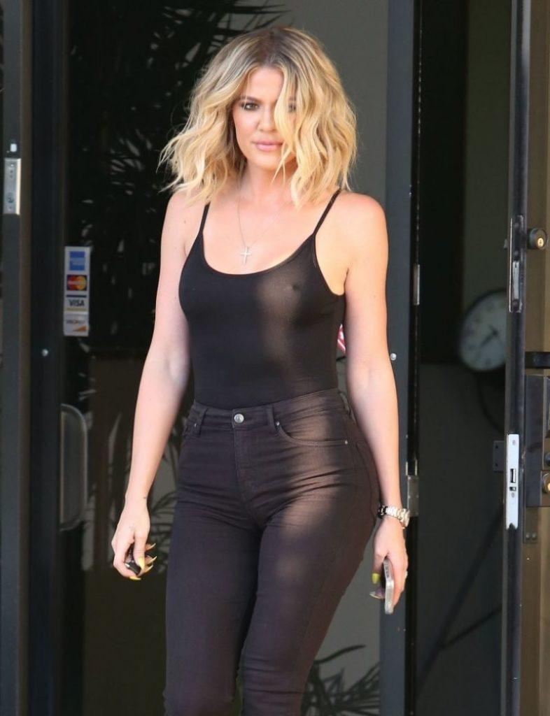 Khloe Kardashian Jeans Photos