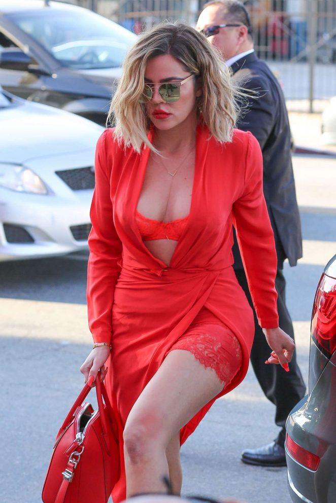 Khloe Kardashian Legs Images