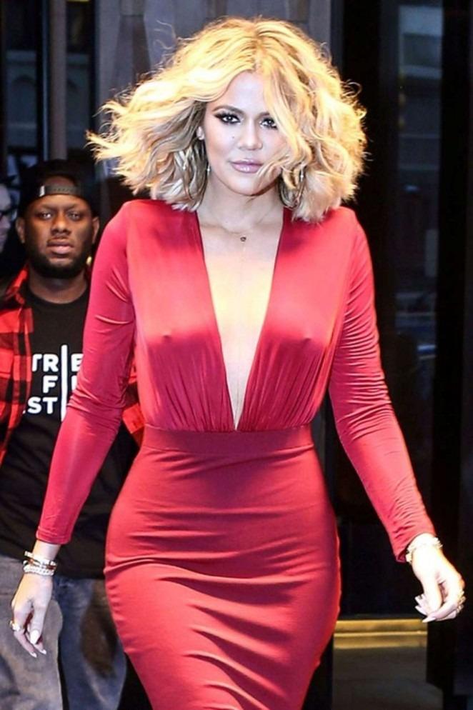 Khloe Kardashian Without Bra Pics