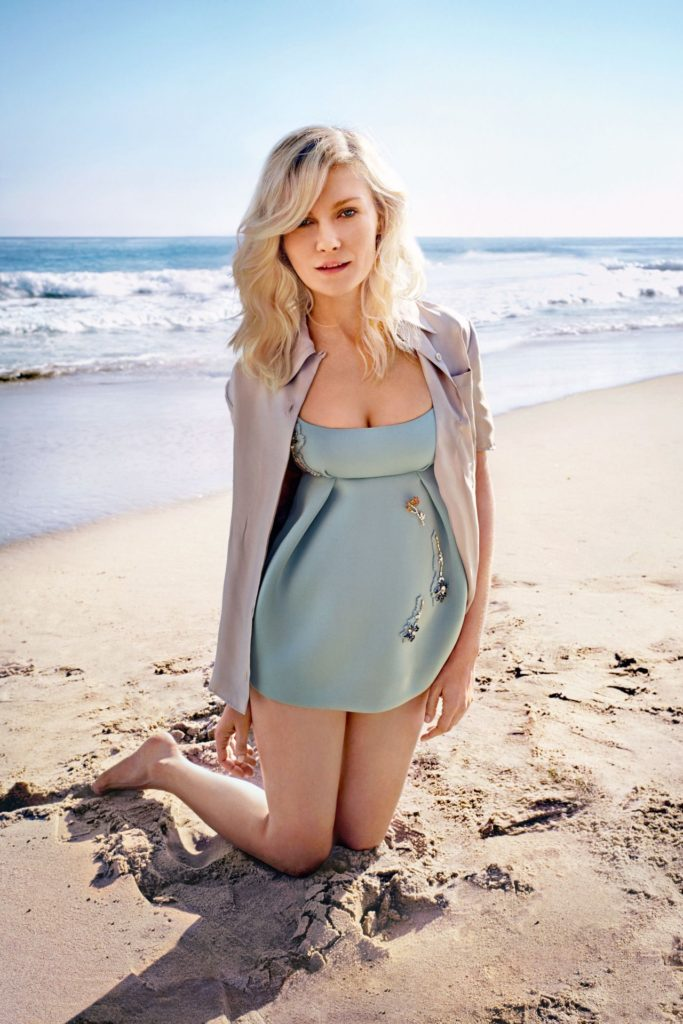 Kirsten Dunst Swimsuit Pictures At Beach