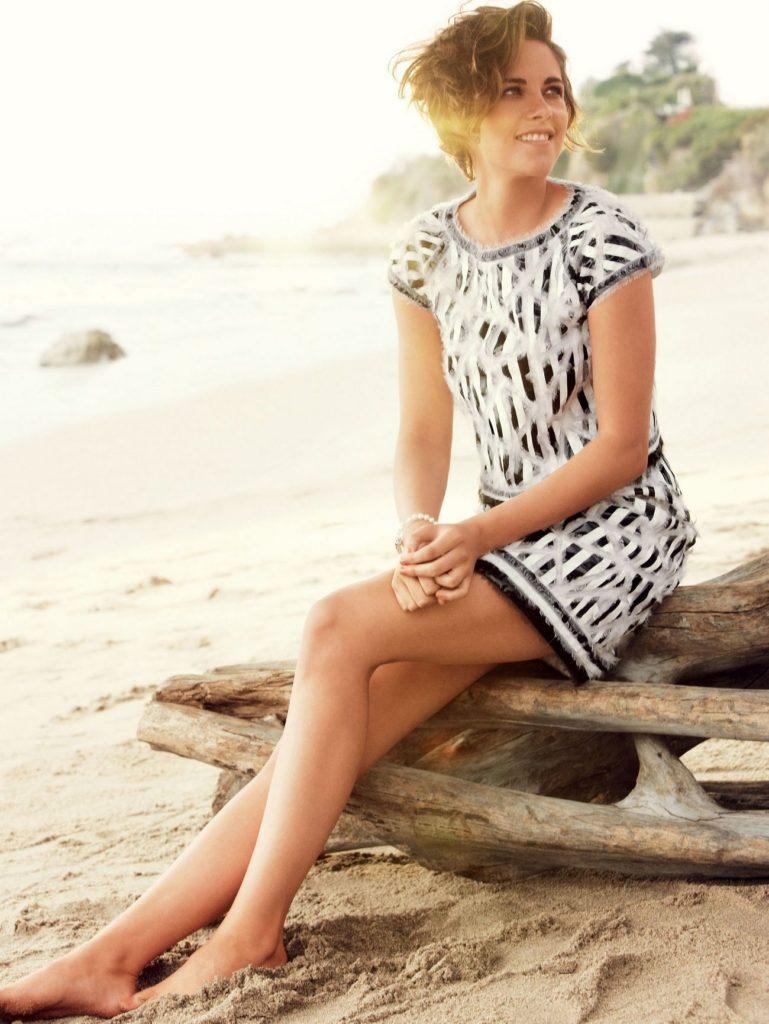 Kristen Stewart Beach Images