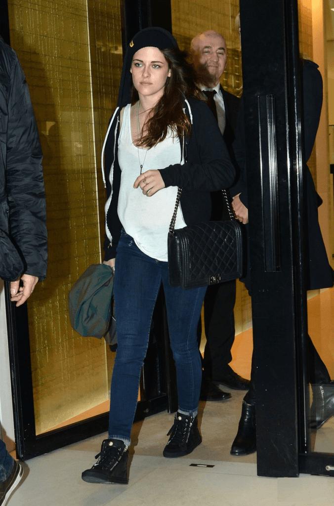 Kristen Stewart Jeans Photos