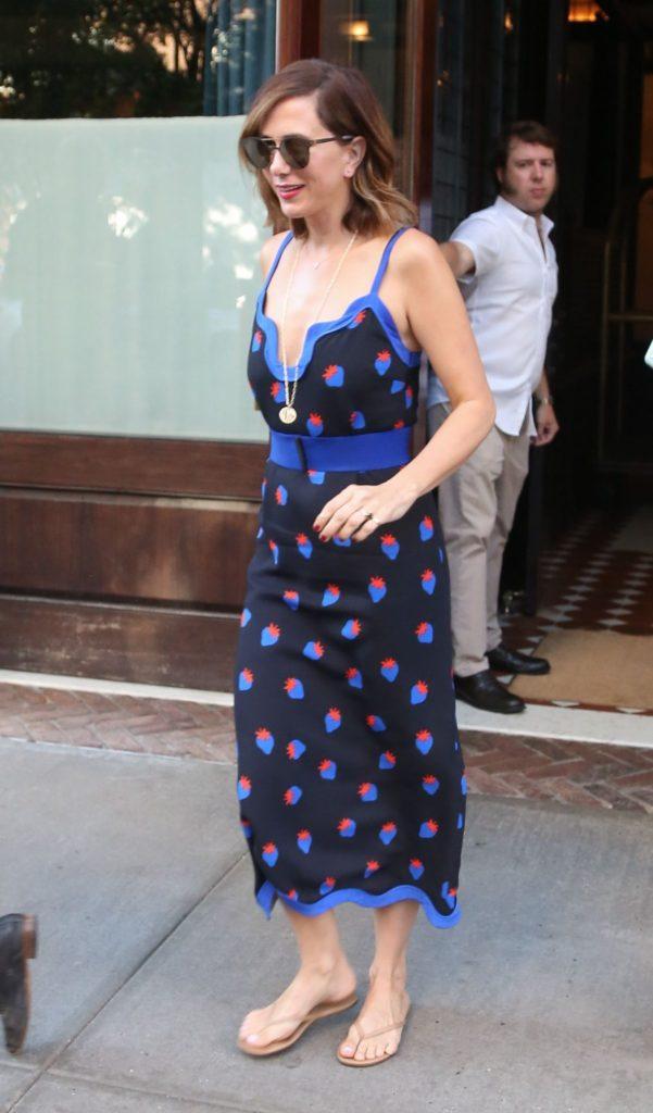 Kristen Wiig Feet Images