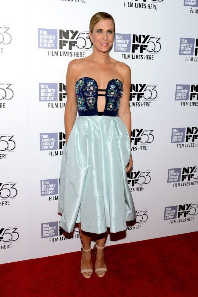 Kristen Wiig Heals Photos