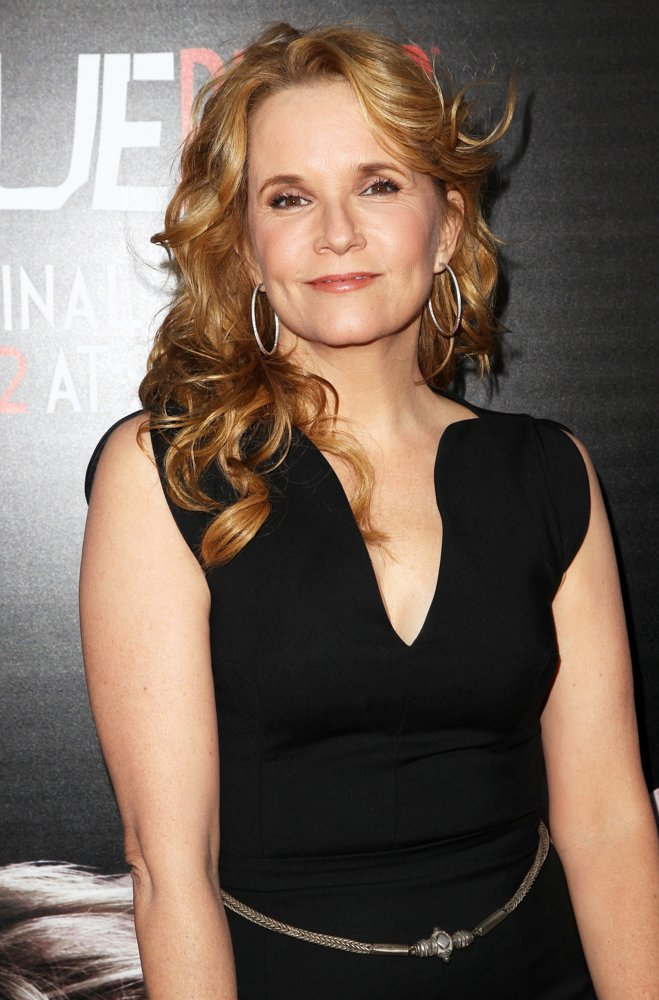 Lea Thompson Sexy Pictures