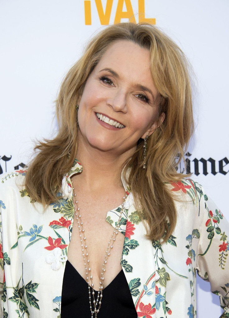Lea Thompson Topless Pictures