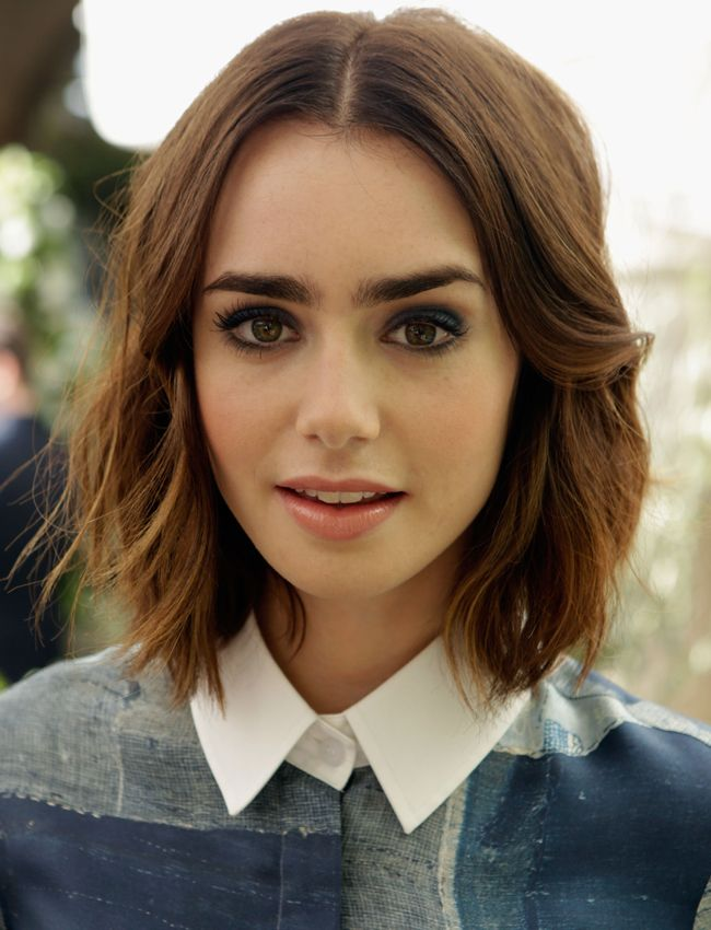Lily Collins Short Hair Wallpapers