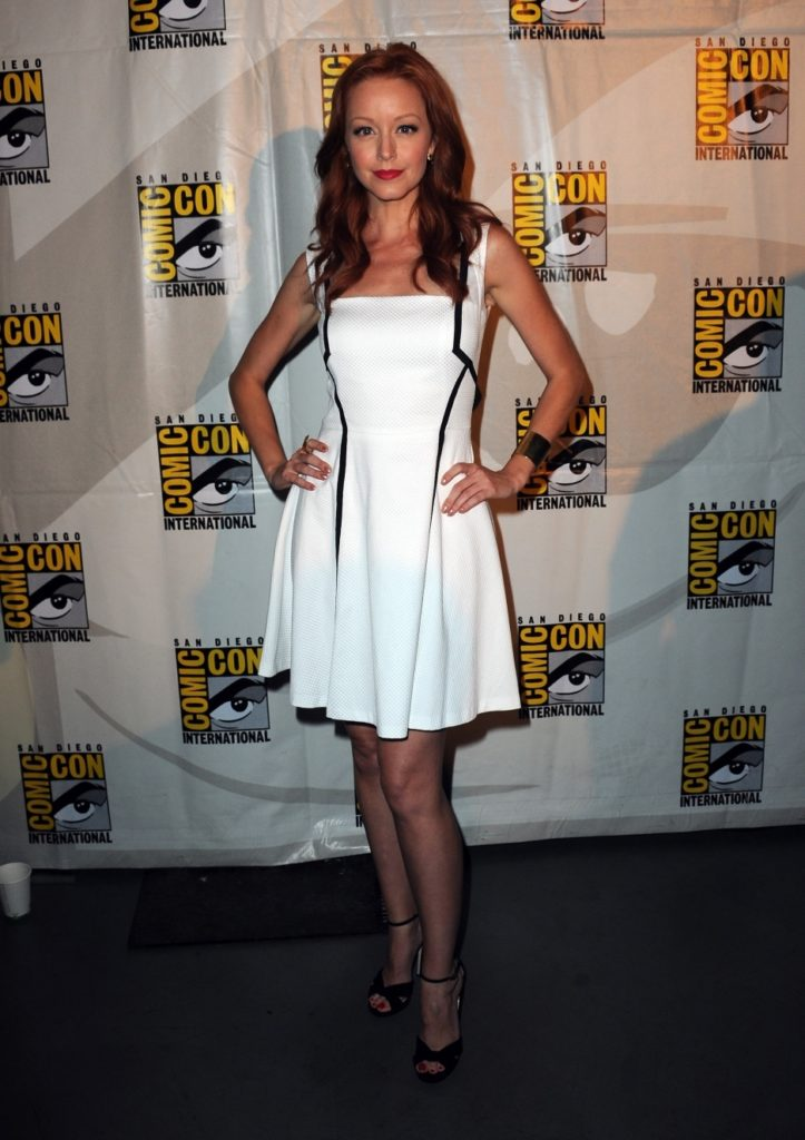Lindy Booth Pants images