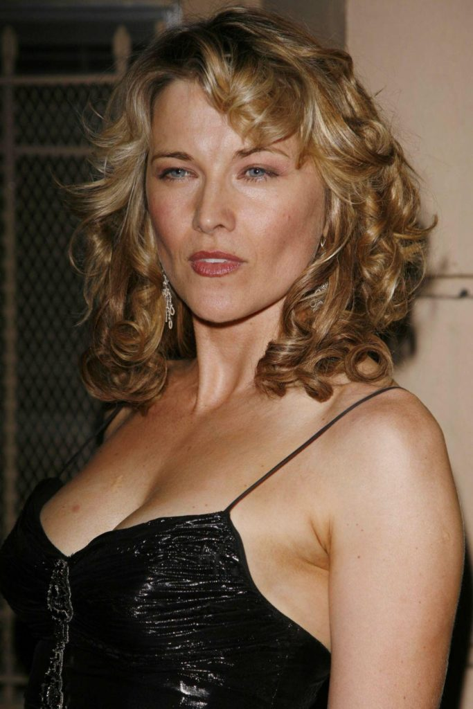 Lucy Lawless Boobs Pics