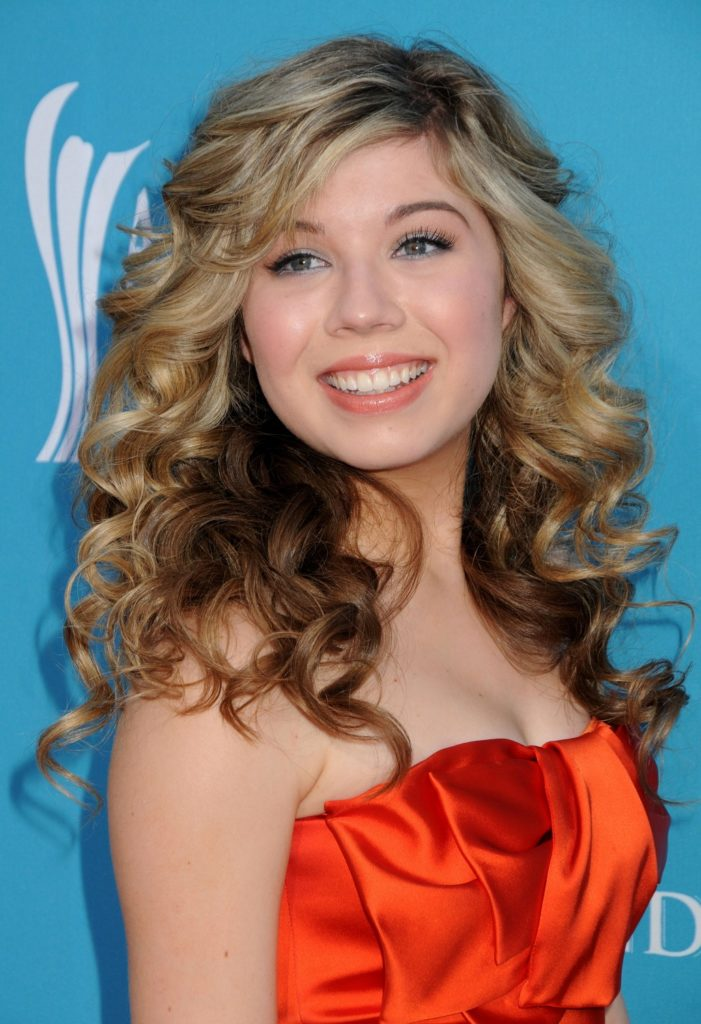 Jennette McCurdy Smile Face Photos