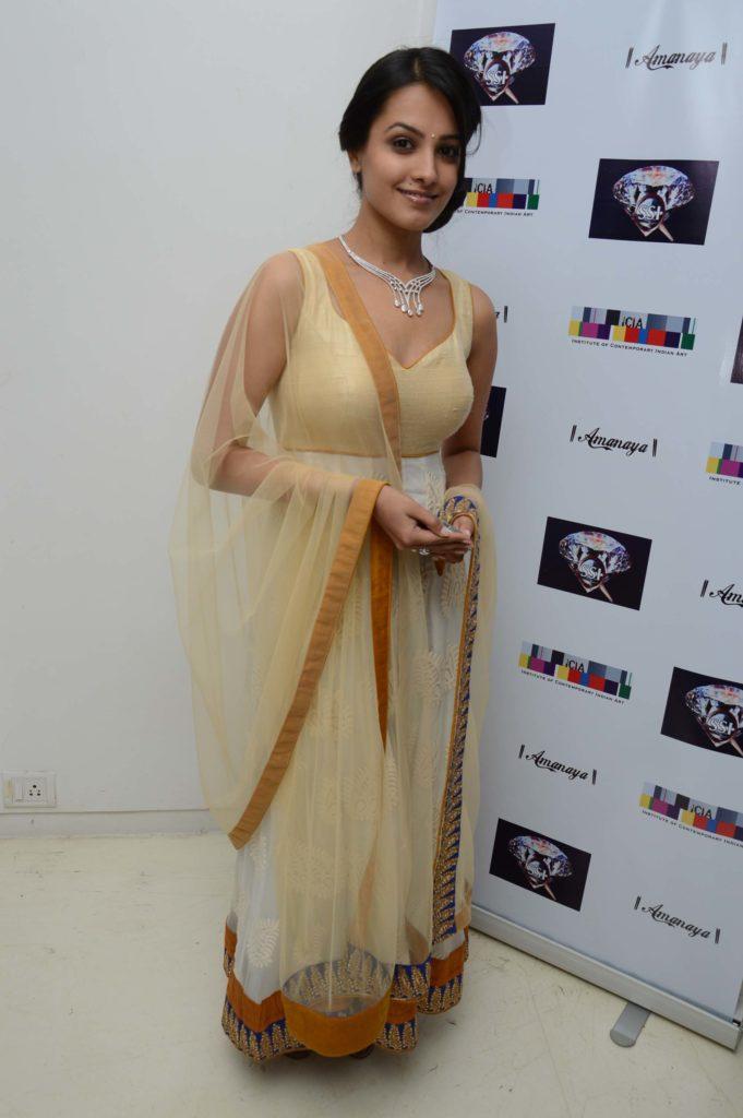 Anita Hassanandani Images At Award Show
