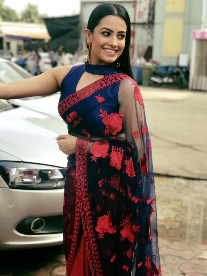 Anita Hassanandani Smiling Pics