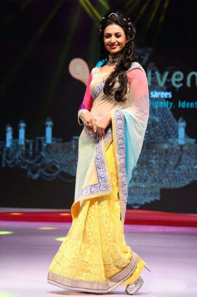 Divyanka Tripathi Images In Saree