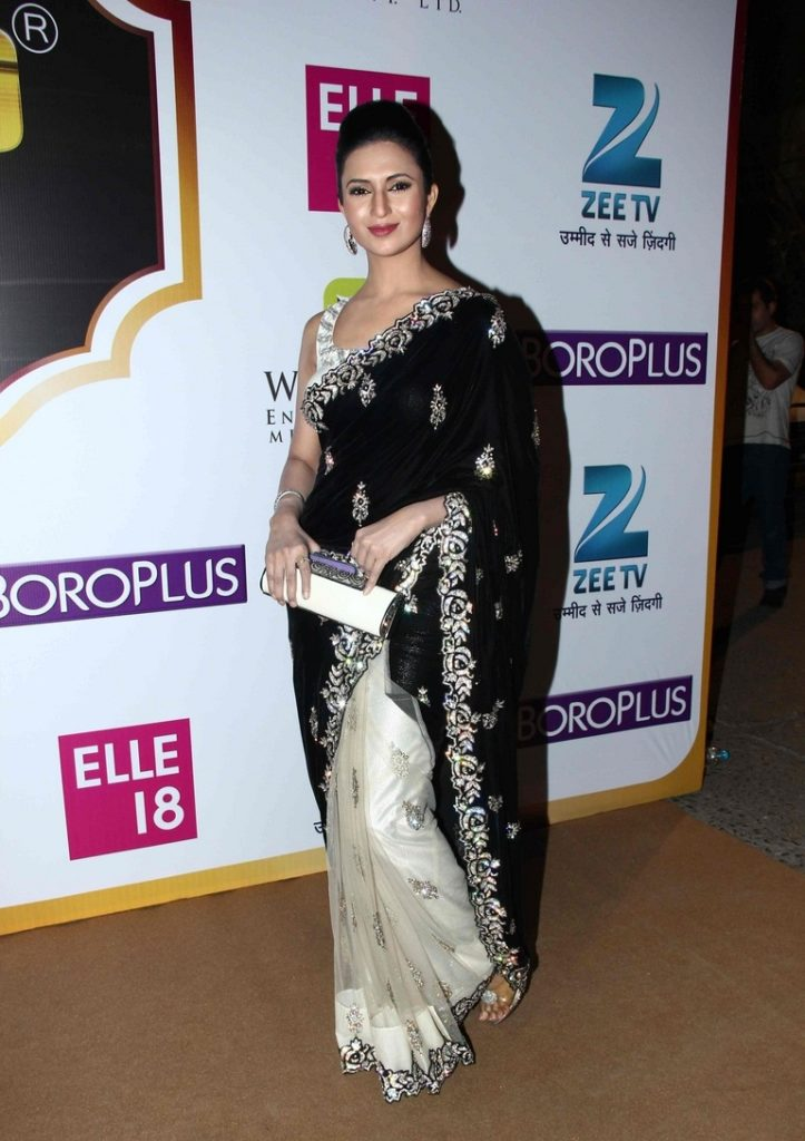 Divyanka Tripathi Photos At Award Show