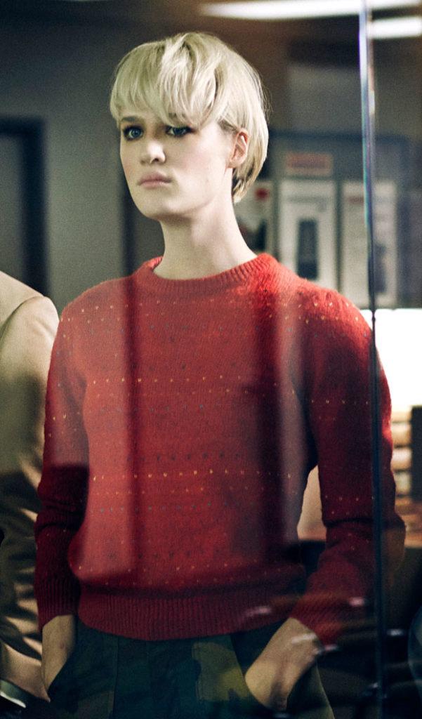 Mackenzie Davis Short Hair Wallpapers