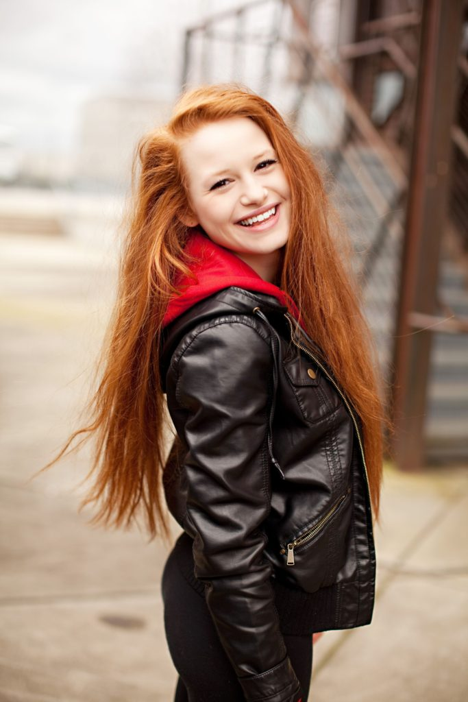 Madelaine Petsch Jeans Wallpapers