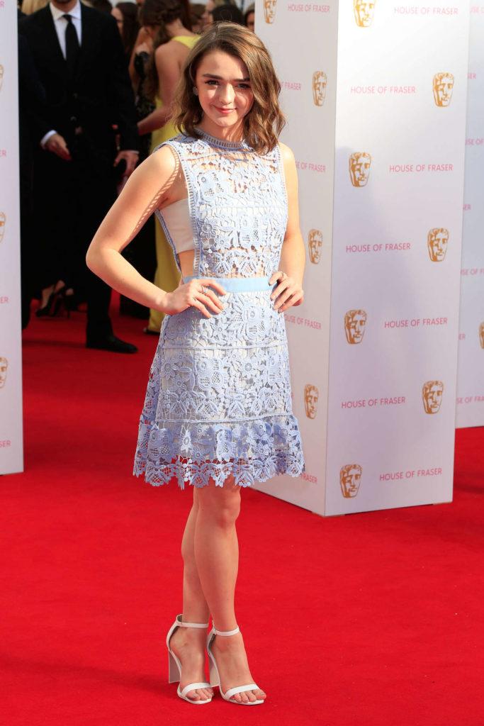 Maisie Williams Undergarments Pics