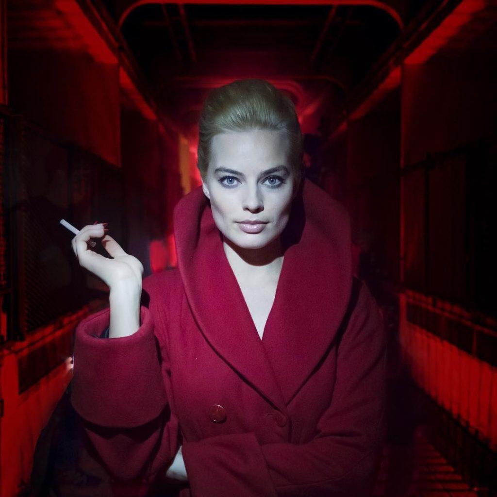 Margot Robbie Smoking Pictures