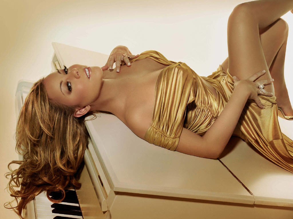 Mariah Carey Bikini PIctures