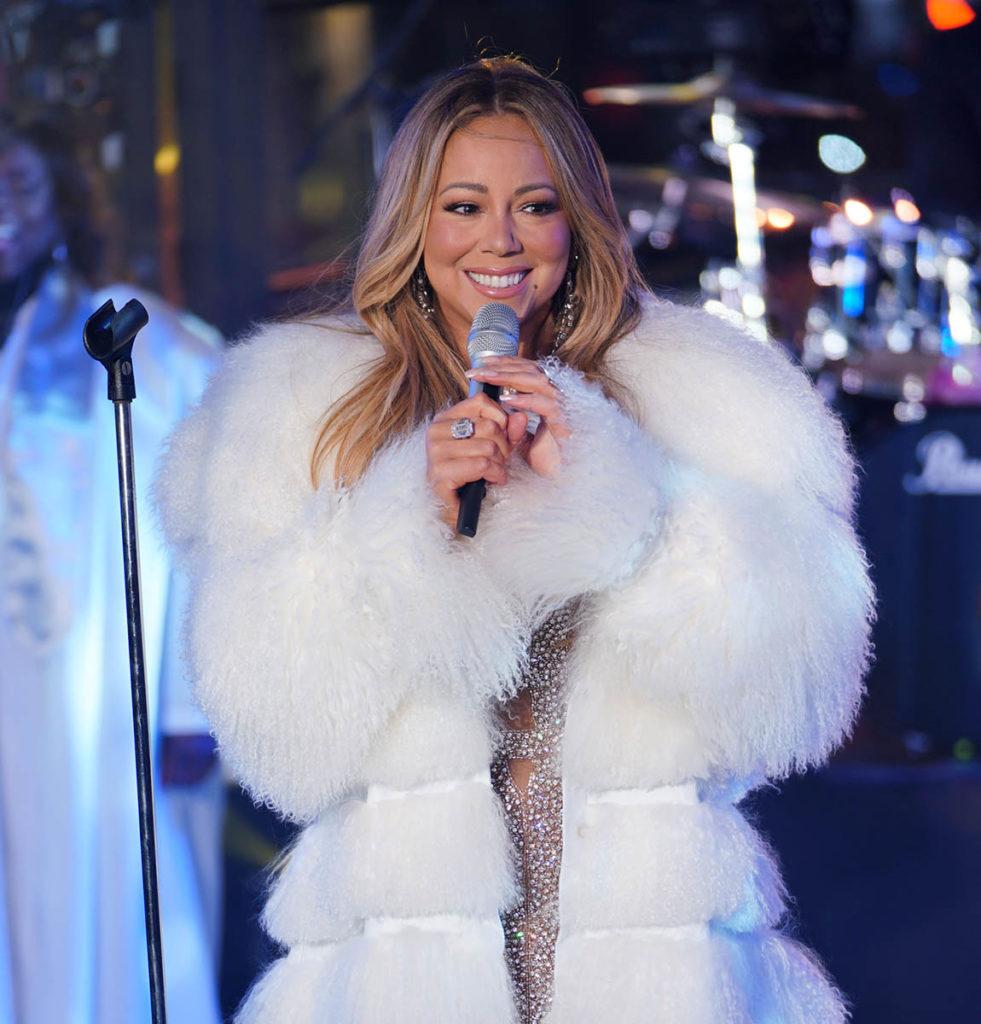 Mariah Carey Singing Pics