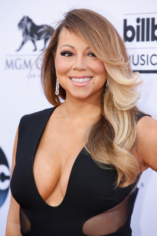 Mariah Carey Without Bra Pics