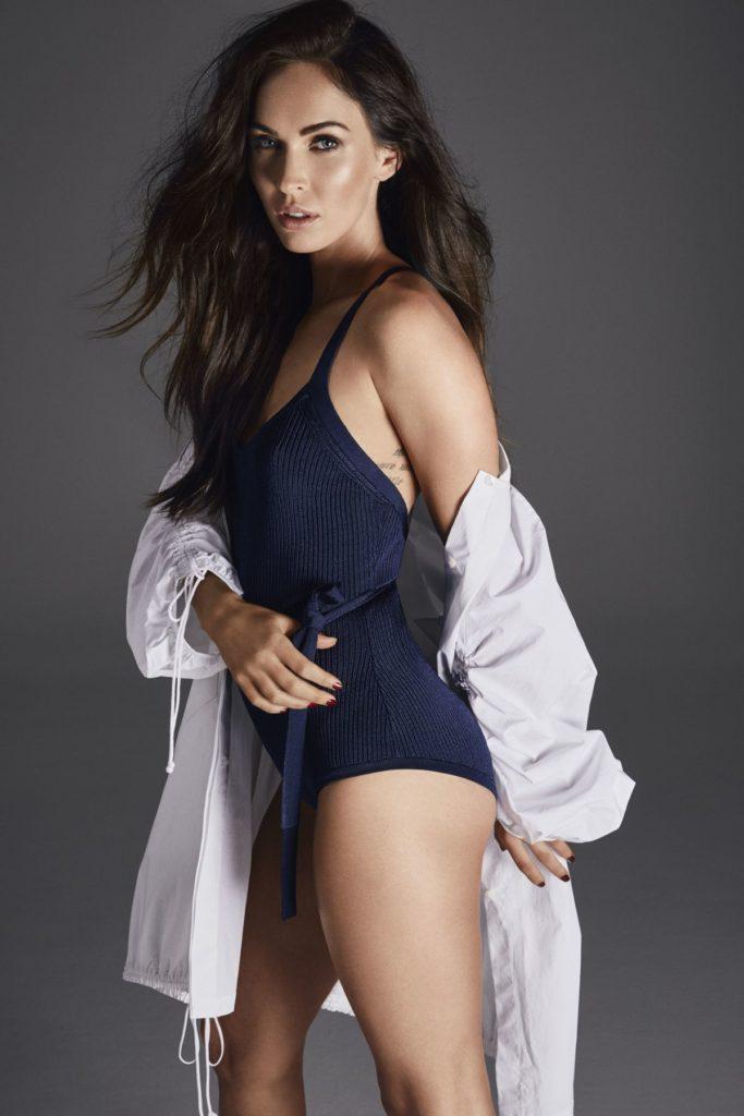 Megan Fox Sexy Photos In Swimsuit