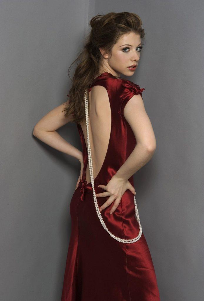 Michelle Trachtenberg Hot Backside Pics