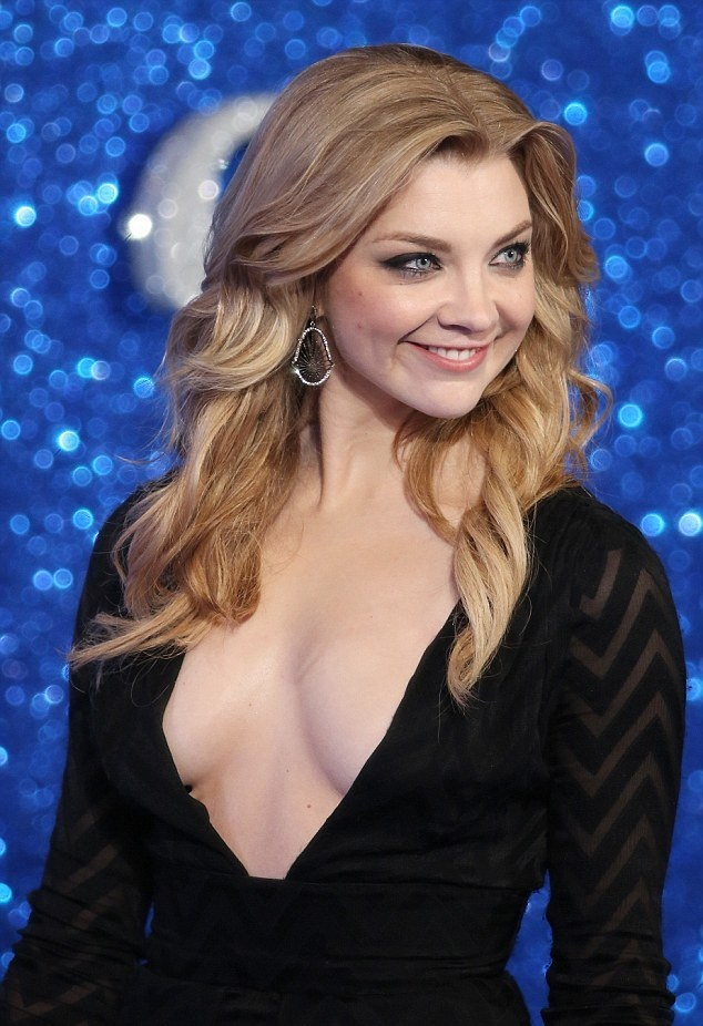 Natalie Dormer Sexy Cleavage Pics