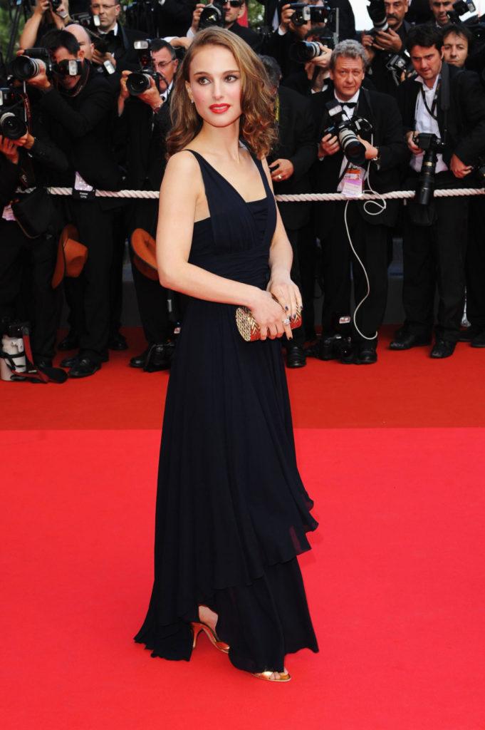 Natalie Portman Hot Cleavage Images