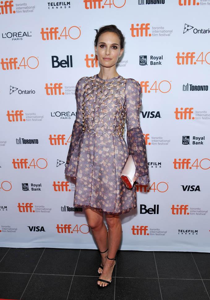 Natalie Portman Images In Shorts